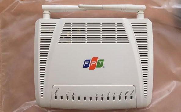 Hãy tắt modem wifi FPT và khởi động lại xem sao