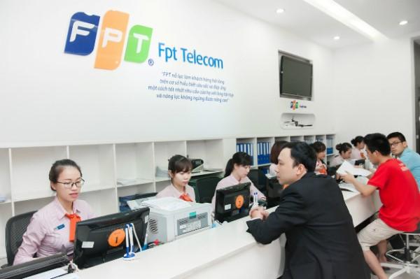 Bạn có thể đăng ký lắp mạng FPT Đà Nẵng tại Quầy giao dịch hoặc tại nhà