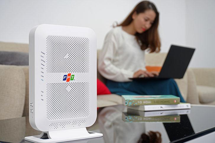 Khách hàng lắp mạng FPT Telecom được trang bi modem wifi