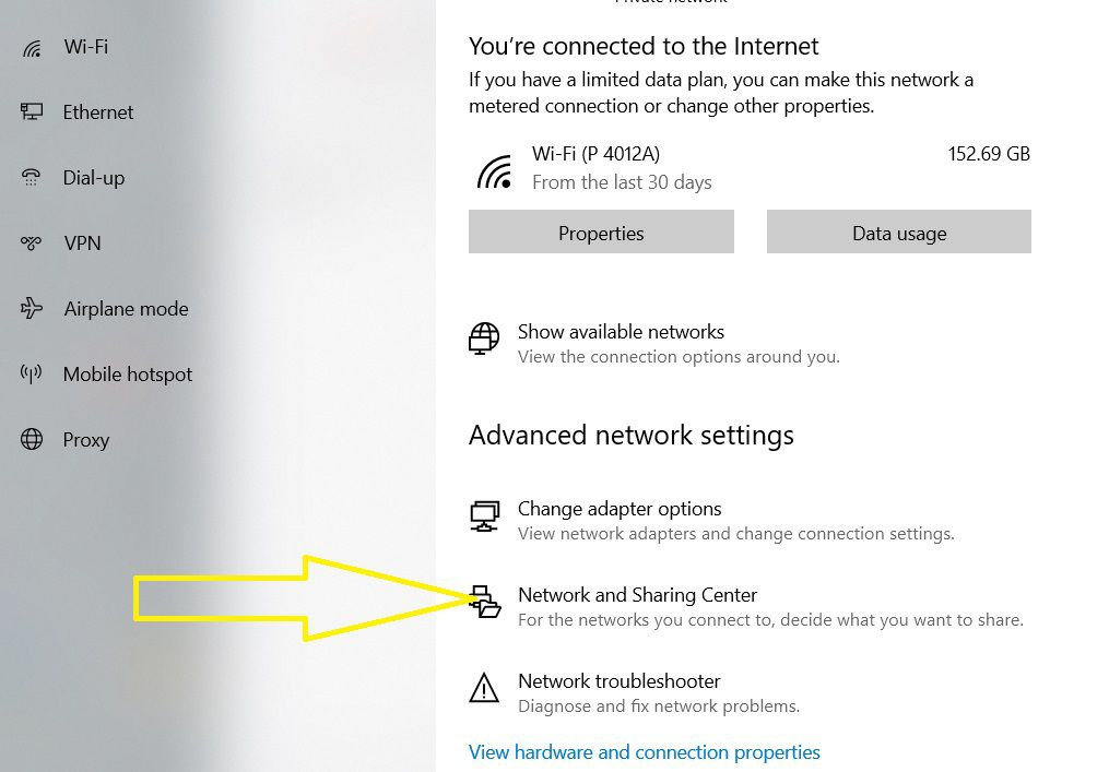"""Chọn """"Network and Sharing Center"""""""